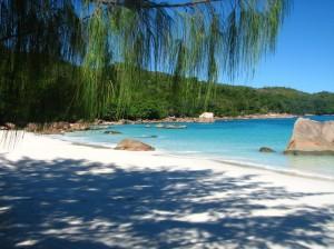 Anse Lazio à Praslin aux Seychelles…Trouver un hôtel