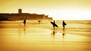 Surfez sur les côtes du Portugal