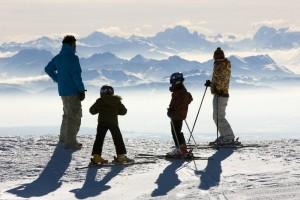 Séjour au ski en famille: quels vêtements emporter?