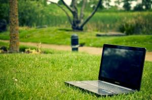 Réserver ses vacances en camping sur Internet