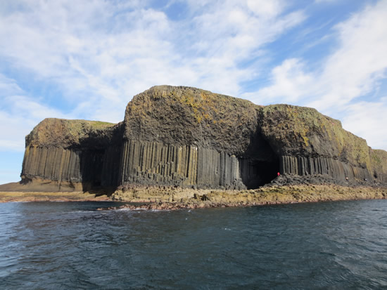 Découvrir la grotte de Fingal sur l'île de Staffa en Ecosse