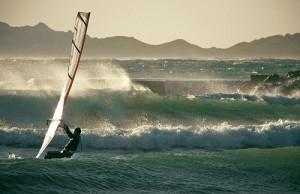Les meilleures plages de la Côte d'Azur pour pratiquer le surf
