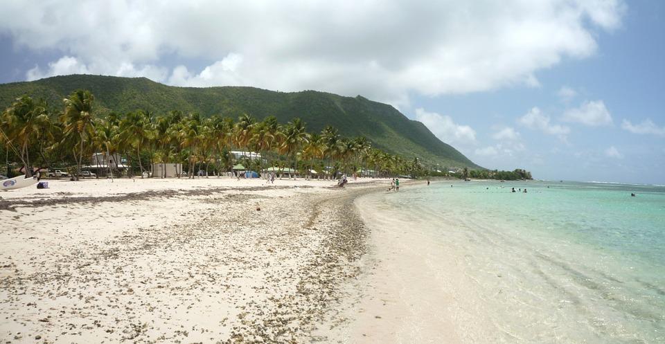 Vacances en Guadeloupe: trois bonnes raisons de louer une villa avec piscine