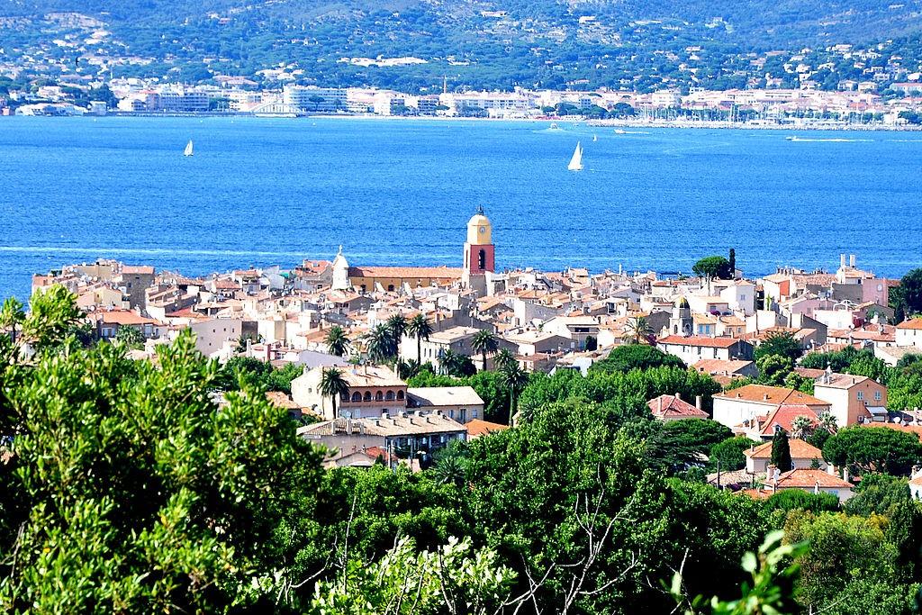 1024px-Saint-Tropez_-_Vue_générale