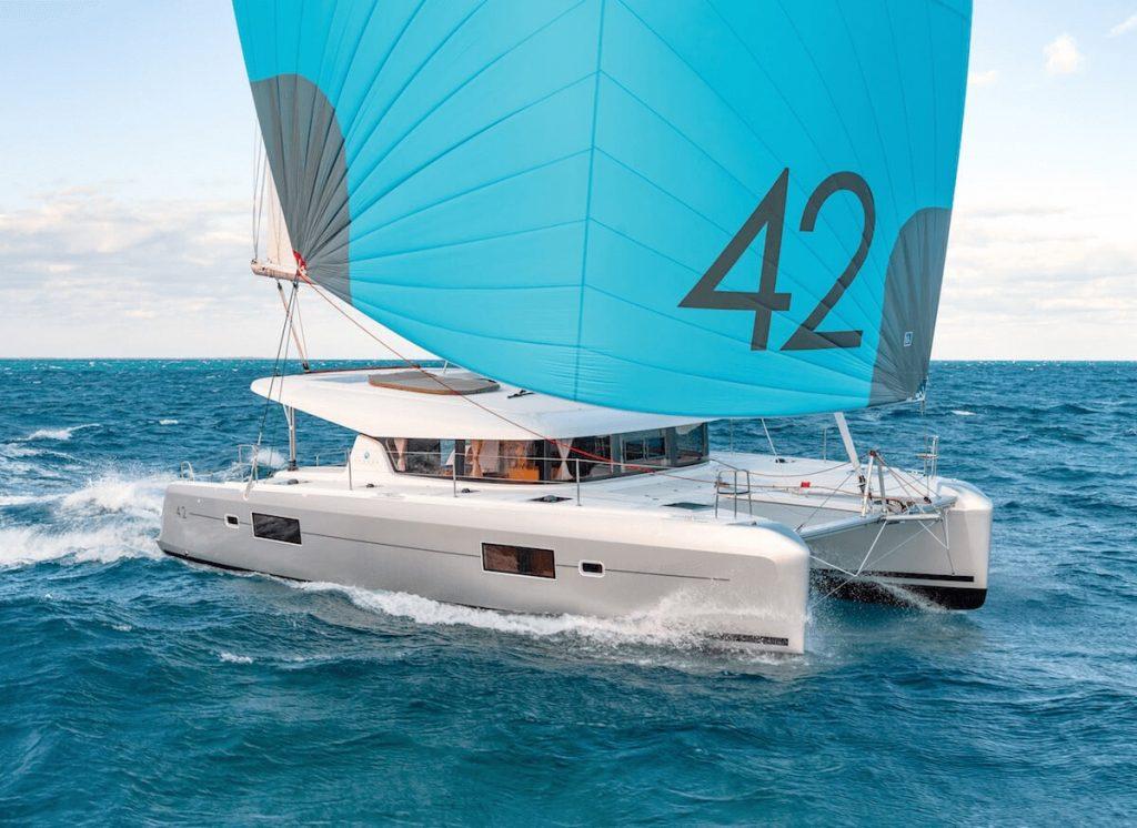 Location Catamaran en Corse Lagoon 42