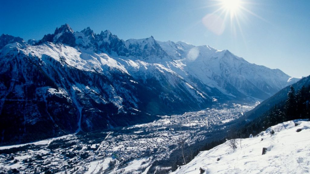 https _ns.clubmed.com_icp_1-MEDIA_01.VILLAGES_1.3MONTAGNE_CHAMONIX-MONT-BLANC_18-17-16-15-14-13-12-11-10-9-8-7-6-5-4-3-2-1-PHOTOS_CHACX900005