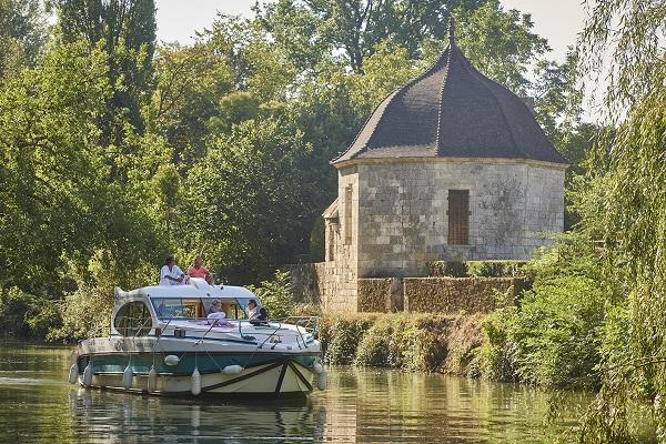 Tourisme fluvial, voyager autrement