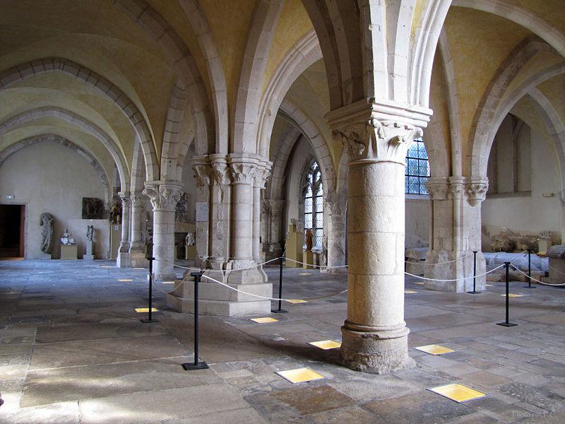 800px-Salle_lapidaire_du_Musée_d'Art_et_d'Histoire_de_Toul
