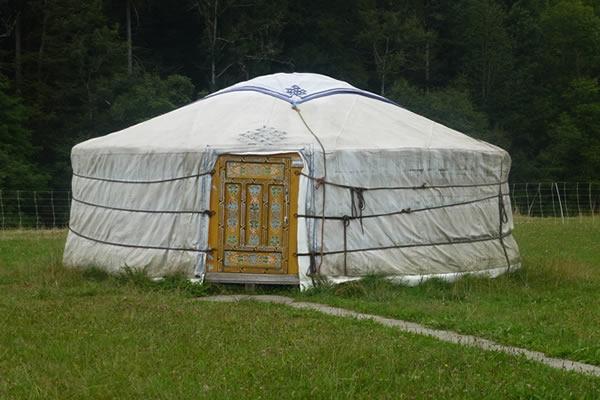 yurt-971279_960_720