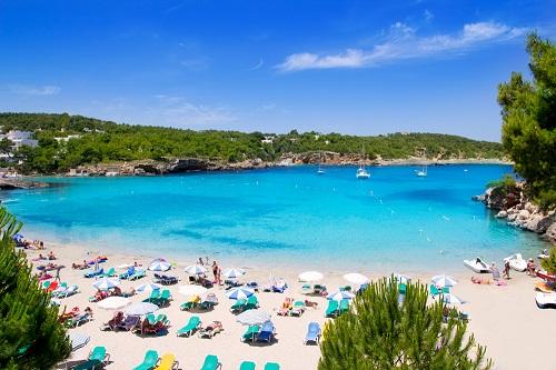 voyage-explorer.com_Les lieux incontournables d'Ibiza