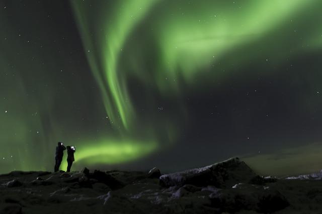 aurora-borealis-2173702_640