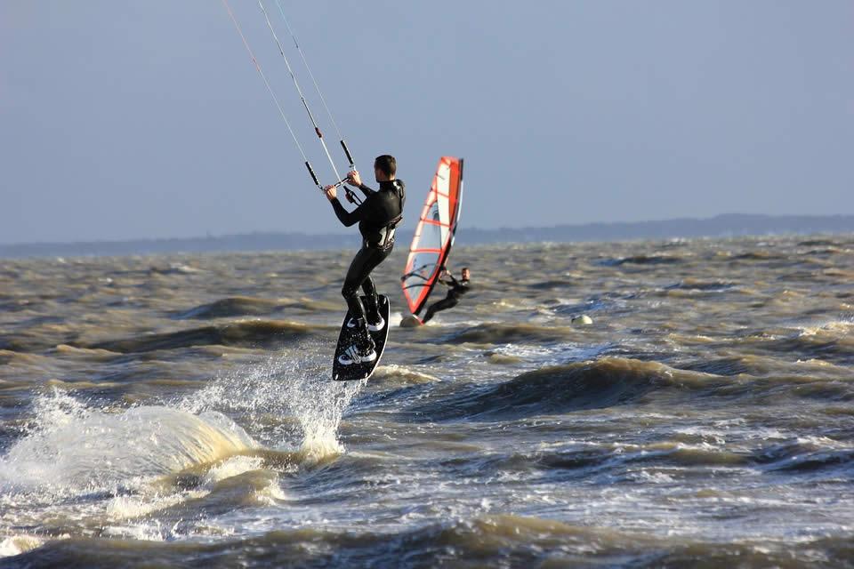 En quoi consiste un voyage kitesurf ?