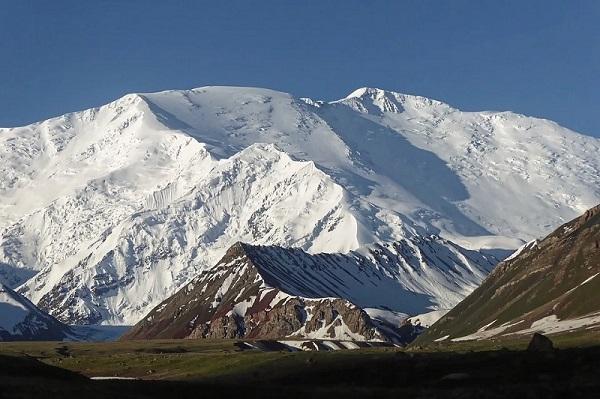 Les trois plus hauts sommets du Kirghizistan